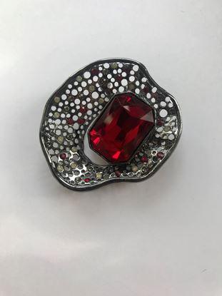 Изображение Бижу Брошь металлич ракушка камень красный