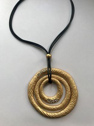 Изображение Бижу Колье на шнурке 1800 крем